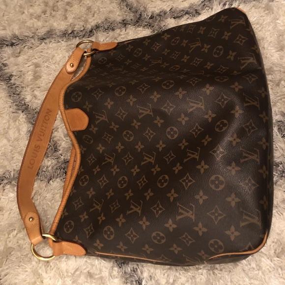 ce617540bdc Louis Vuitton Handbags - Louis Vuitton Monogram Delightful MM - Authentic